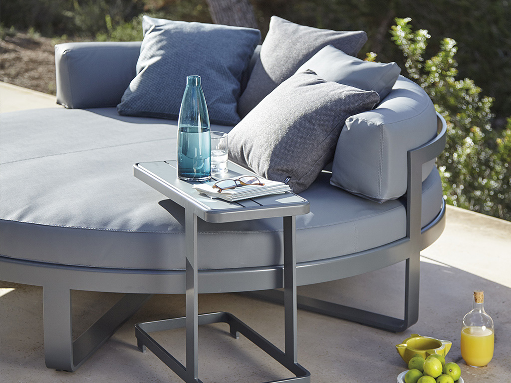 Flat Round Chill Bed